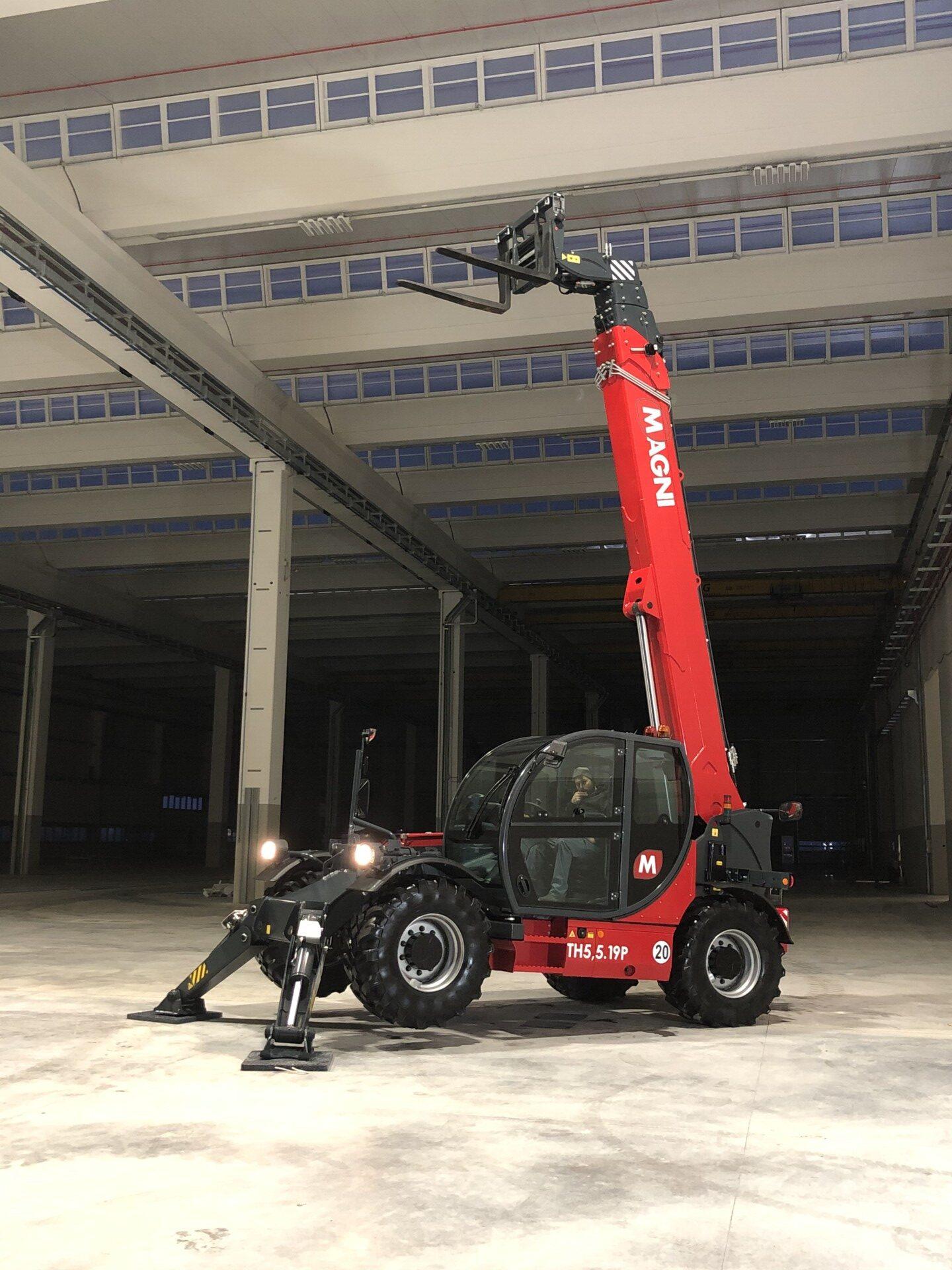 nouveau chariot telescopique magni th 55